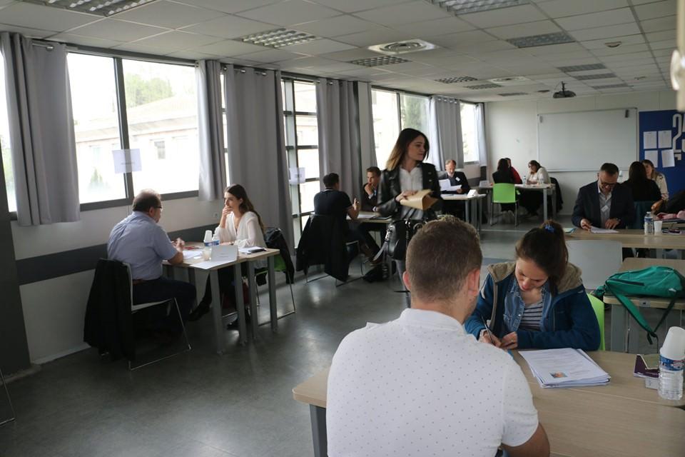 Ecole commerce Aix