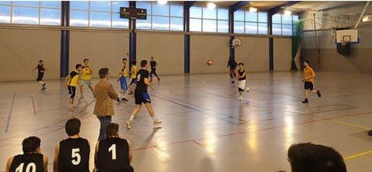 L'équipe de Basket du campus ENOVA.